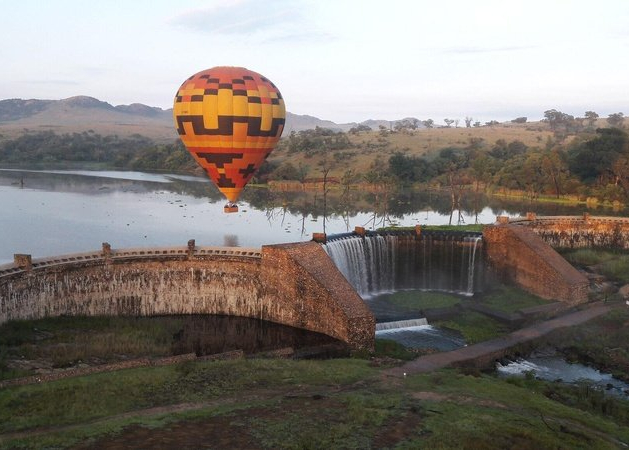 Exclusive Hot Air Ballooning Safari Flight for Two image 16